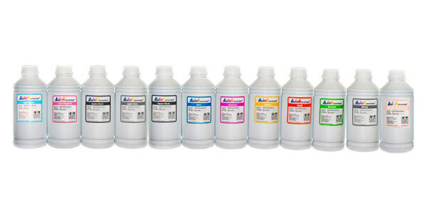 Комплект фоточернил для Canon imagePROGRAF PRO-1000Комплектация: 12 банок по 1000 мл, цвета: чёрный, чёрный матовый, синий, малиновый, жёлтый, синий фото, малиновый фото, серый, серый фото, красный, зелёный, голубой. Фоточернила INKSYSTEM обеспечивают точную цветопередачу, при этом качество отпечатков на 95-98% соответствует оригинальным чернилам.<br>