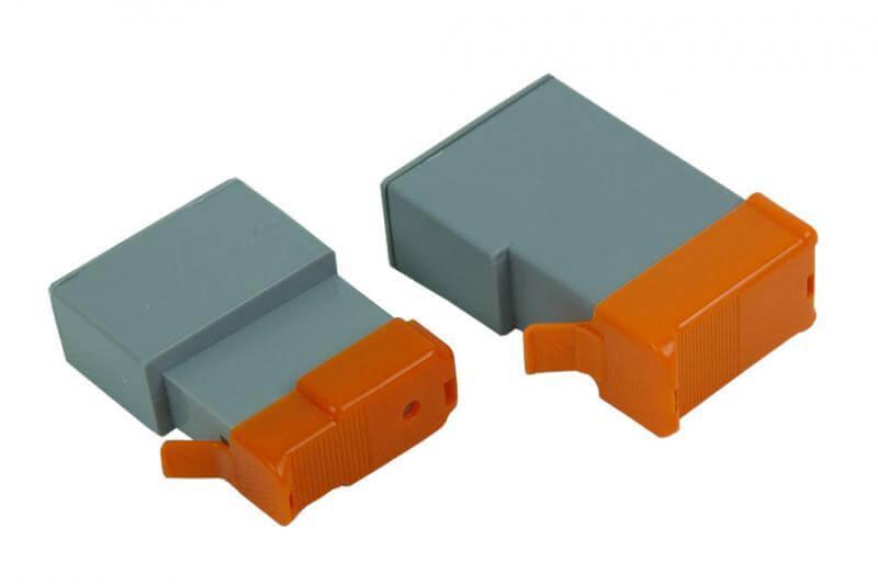 Перезаправляемые картриджи для Canon PIXMA IP2000Перезаправляемые картриджи Canon изготовлены по аналогии с оригинальными картриджами, однако имеют обнуляющиеся чипы, которые позволяют дозаправлять каждый картридж снова и снова, до нескольких сотен раз.<br>