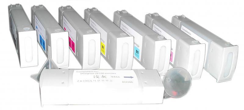 Перезаправляемые картриджи для HP Designjet Z6100Перезаправляемые картриджи изготовлены по аналогии с оригинальными картриджами, однако имеют обнуляющиеся чипы, которые позволяют дозаправлять каждый картридж снова и снова, до нескольких сотен раз.<br>